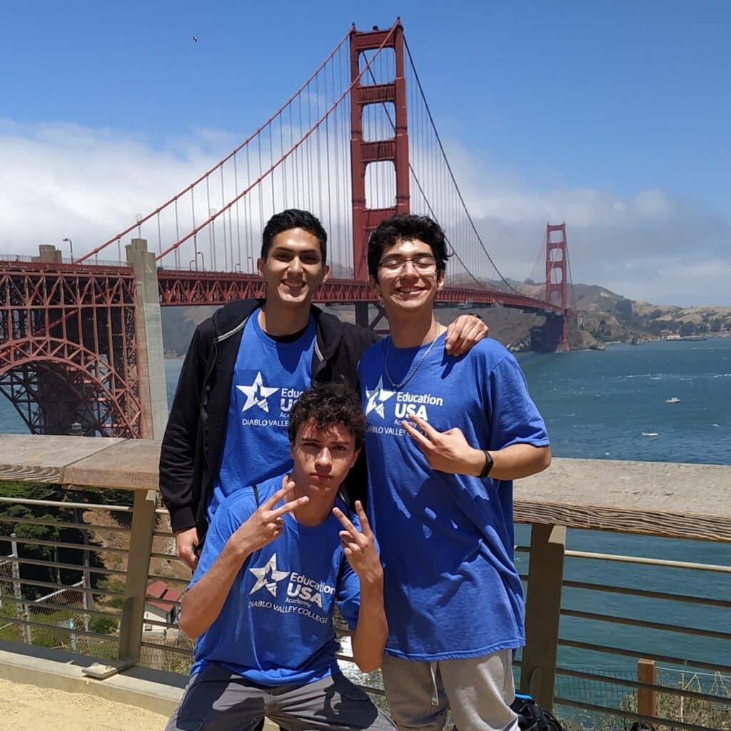 Alumnos de EducationUSA Academy